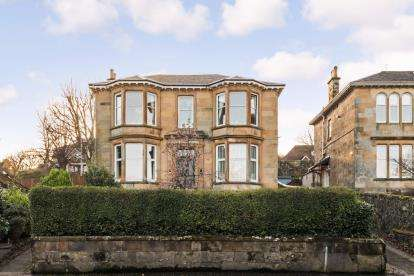 4 Bedrooms Flat for sale in Eldon Street, Greenock