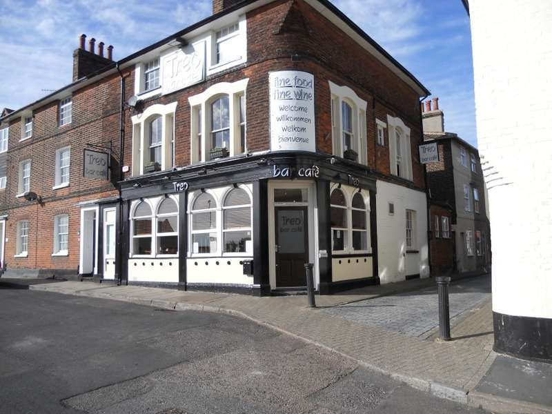 2 Bedrooms Restaurant Commercial for sale in 17 George Street, Harwich, Essex
