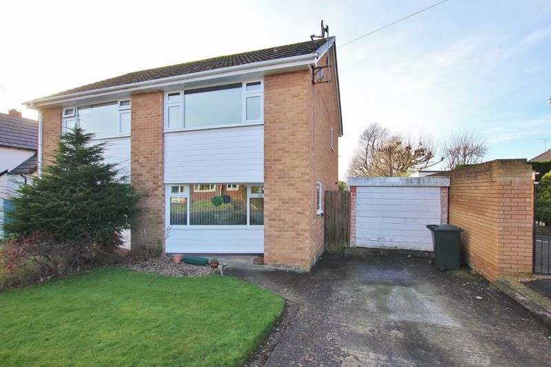 2 Bedrooms Property for sale in Carlton Close, Parkgate, CH64