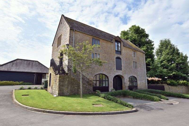2 Bedrooms Property for sale in Hayes End Manor, South Petherton