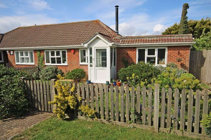 2 Bedrooms Bungalow for sale in Marine Drive East, Barton On Sea, New Milton, Hampshire, BH25