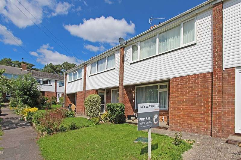 3 Bedrooms Terraced House for sale in Rowan Close, Sway, Lymington, Hampshire, SO41