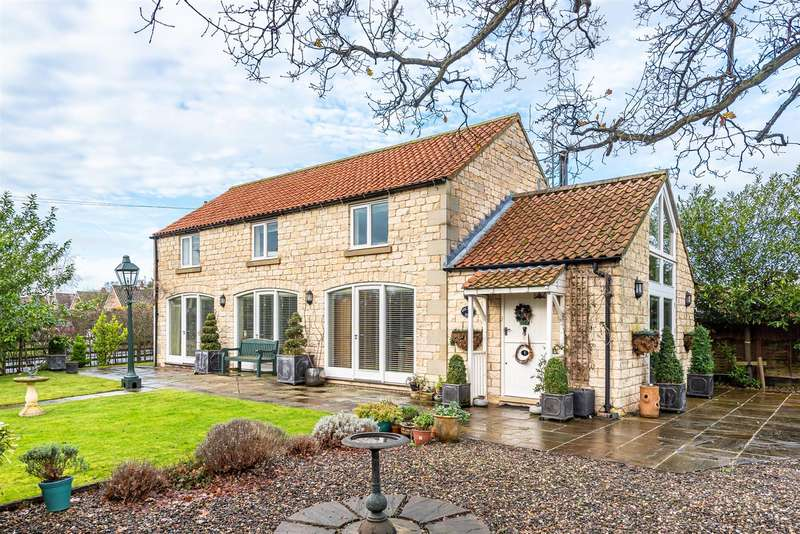 3 Bedrooms Detached House for sale in Oak Tree Barn, Brookfield Gardens, Thornton-Le-Dale, Pickering, YO18 7SU