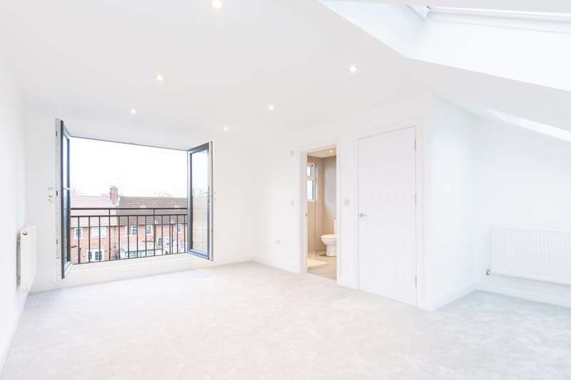 4 Bedrooms Terraced House for sale in Hazelwood Avenue, Morden, SM4