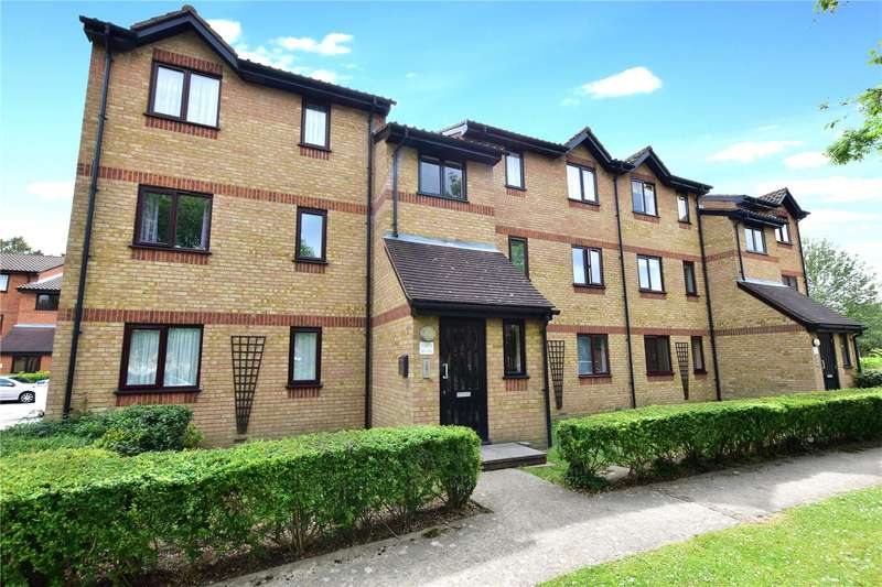 2 Bedrooms Flat for sale in Courtlands Close, Watford, Hertfordshire, WD24