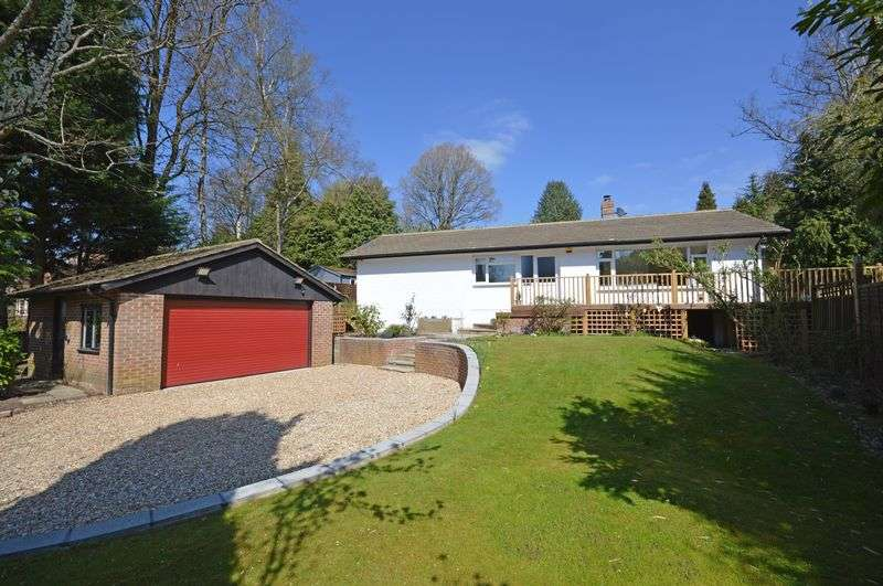 3 Bedrooms Property for sale in No Onward chain - Kenley Road, Headley Down