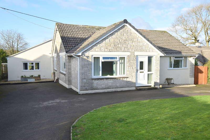 4 Bedrooms Detached Bungalow for sale in Wincanton, Somerset, BA9