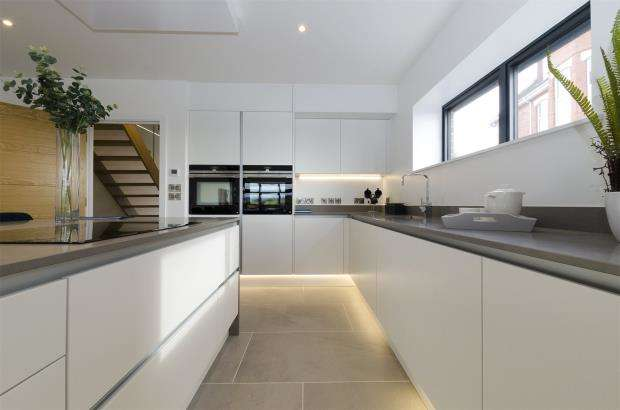 4 Bedrooms Terraced House for sale in Spindrift, Maer Road, Exmouth, Devon