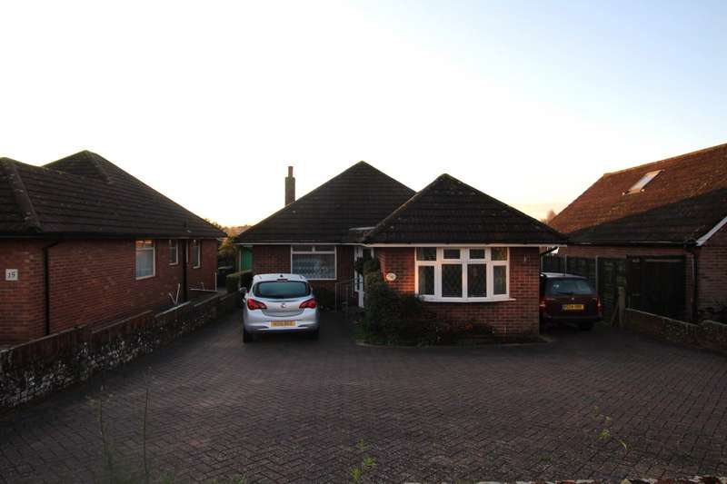 3 Bedrooms Detached Bungalow for sale in Morelands Road, Waterlooville, Hampshire, PO7