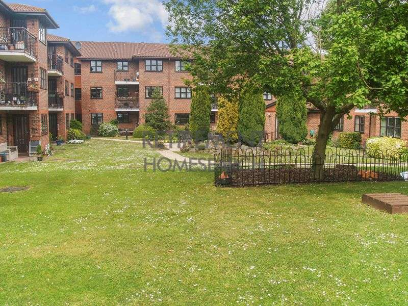 1 Bedroom Property for sale in Tudor Court, Sidcup, DA14 4HY