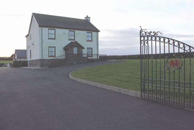 4 Bedrooms Detached House for sale in Uplands, Carmarthen