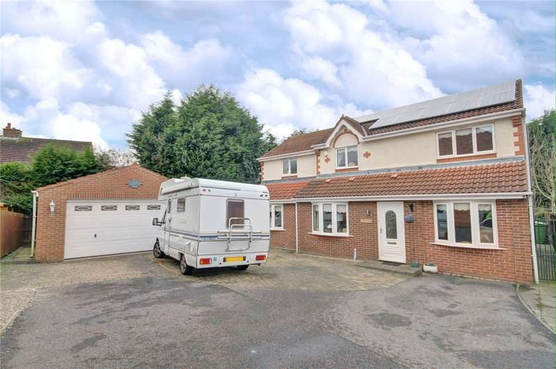 4 Bedrooms Detached House for sale in Fox Covert, Spennymoor, County Durham, DL16