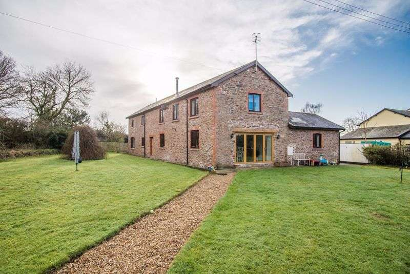 4 Bedrooms Property for sale in East Village, Crediton
