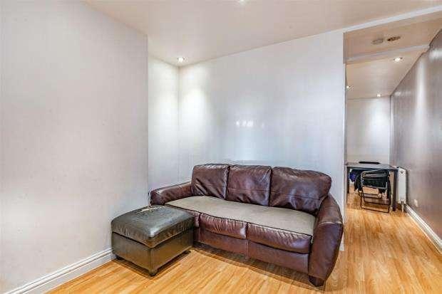 2 Bedrooms Terraced House for sale in Keens Road, Croydon, Surrey