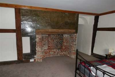 2 Bedrooms Flat for rent in Abbey Street, Faversham