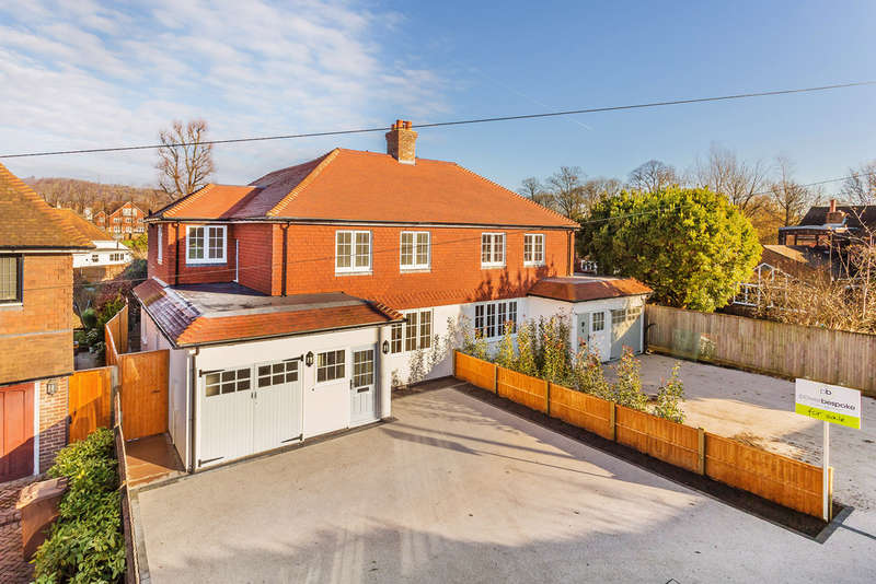 4 Bedrooms Semi Detached House for sale in Green Lane, Reigate, RH2
