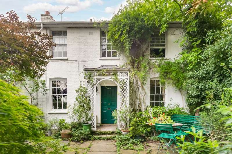 5 Bedrooms Detached House for sale in Strand On The Green, Chiswick W4
