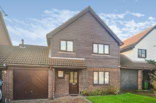 4 Bedrooms Link Detached House for sale in Middlemead, Folkestone, Kent
