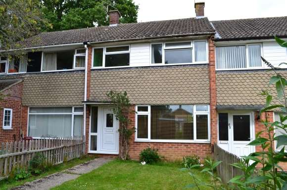 3 Bedrooms Property for sale in Stephens Road, Tadley
