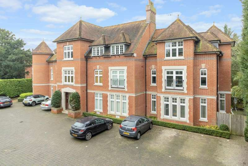 2 Bedrooms Apartment Flat for sale in New Dover Road, Canterbury, CT1