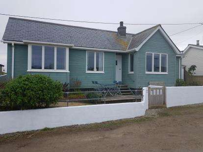 3 Bedrooms Bungalow for sale in Gwithian, Hayle, Cornwall