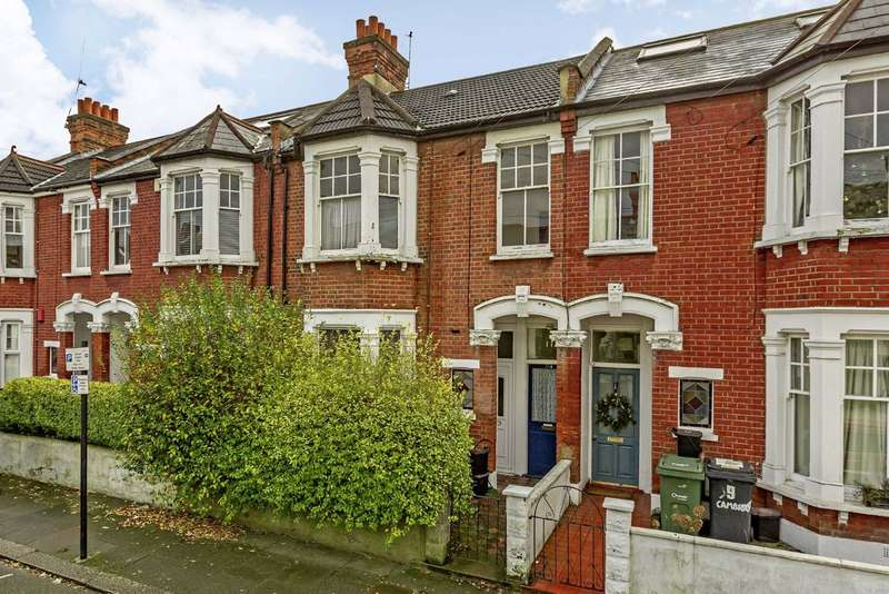 2 Bedrooms Maisonette Flat for sale in Cambray Road, Balham