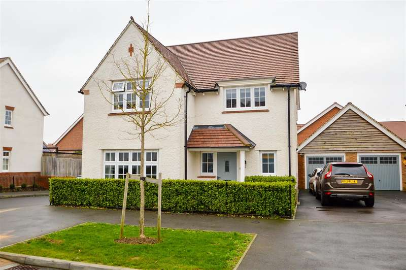 4 Bedrooms Detached House for sale in Limeburners Drive, Halling