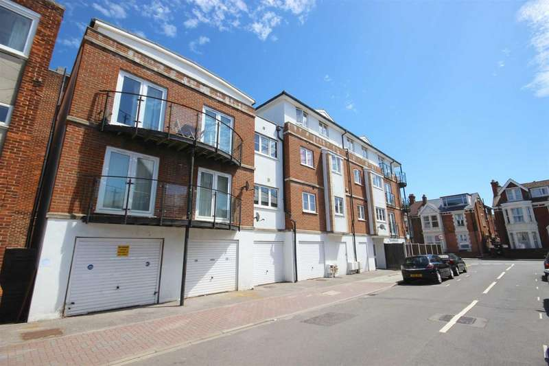 2 Bedrooms Flat for sale in Montgomerie Road, Southsea