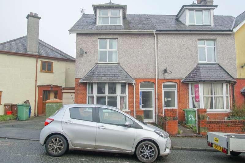 4 Bedrooms Terraced House for sale in 52 Farrar Road, Bangor, Gwynedd
