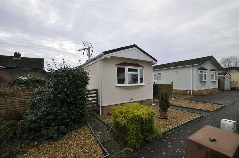 1 Bedroom Park Home Mobile Home for sale in Lumby Drive, RINGWOOD, Hampshire