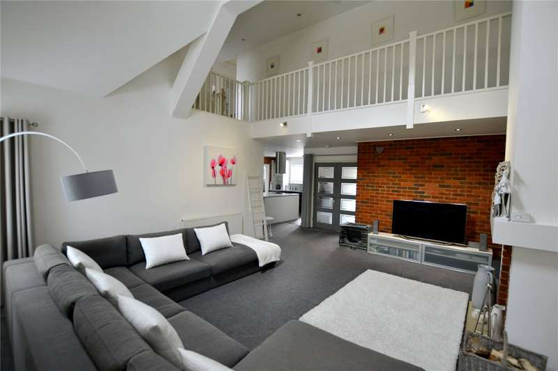 4 Bedrooms Detached House for sale in Pelican Mead, Hightown, Ringwood, Hampshire, BH24