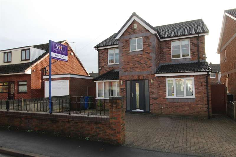 4 Bedrooms Detached House for sale in Wells Drive, Whelley, Wigan