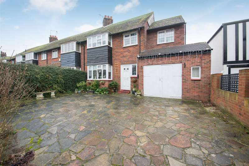 4 Bedrooms End Of Terrace House for sale in Barn Crescent, MARGATE