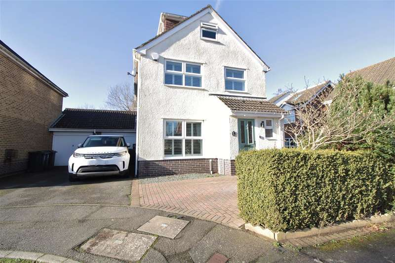 4 Bedrooms Link Detached House for sale in Kingfisher Close, TN24