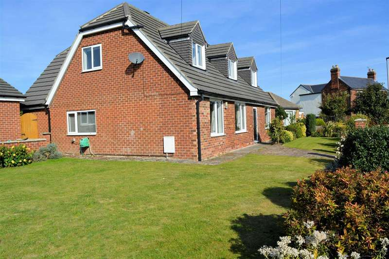 5 Bedrooms Detached House for sale in Moss Green Lane, Brayton