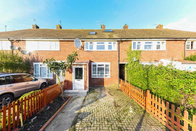 3 Bedrooms Terraced House for sale in Bletchingley Close, Merstham, Surrey, RH1 3PL