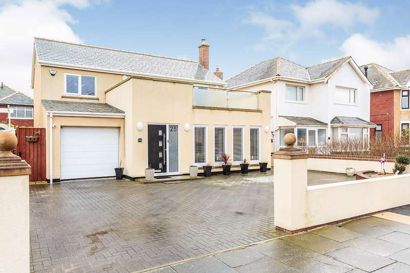 3 Bedrooms Detached House for sale in Freemantle Avenue, Blackpool, Lancashire, FY4