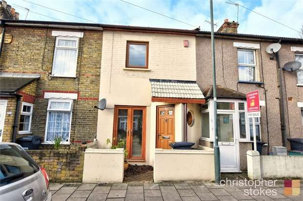 2 Bedrooms Terraced House for sale in Queens Road, Waltham Cross, Hertfordshire