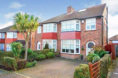 4 Bedrooms Semi Detached House for sale in Crummock Gardens, Kingsbury, London, Uk