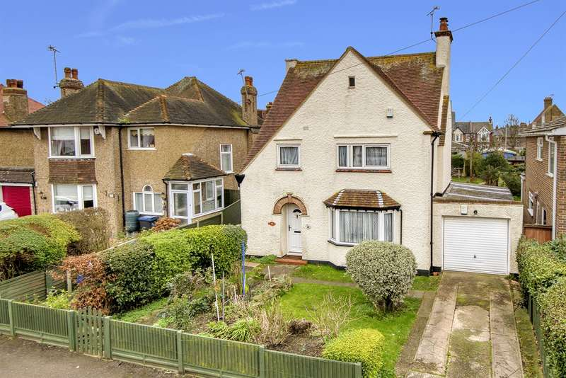 4 Bedrooms Detached House for sale in Cecil Park, Herne Bay