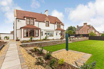 6 Bedrooms Detached House for sale in Claremont, Alloa