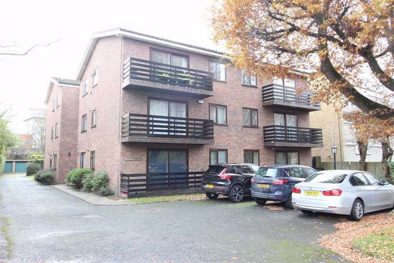 2 Bedrooms Flat for sale in Glenmore Lodge, 4 The Avenue, Beckenham, BR3