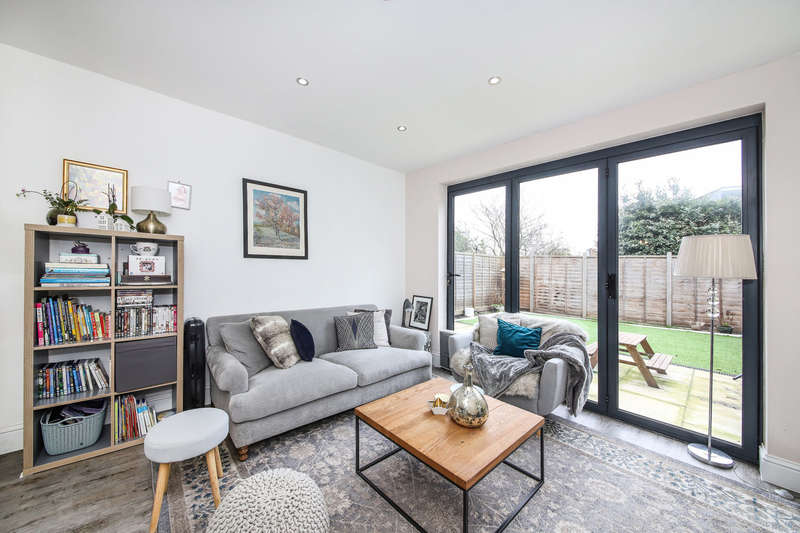 2 Bedrooms Apartment Flat for sale in Underhill Road, East Dulwich