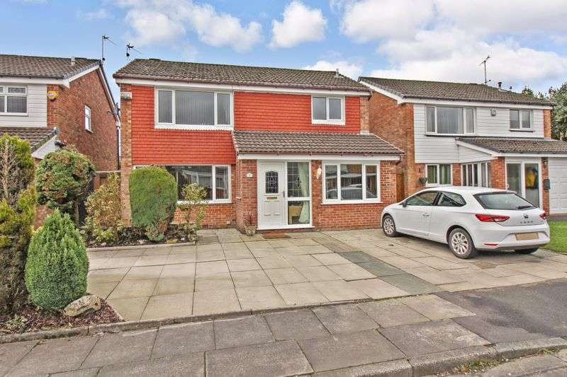 4 Bedrooms Property for sale in Skegness Close, Bury