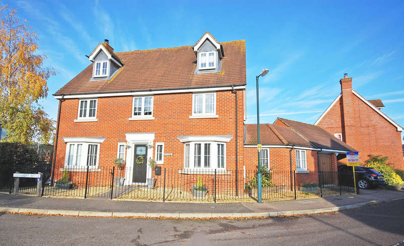 5 Bedrooms Detached House for sale in Wainwright Avenue, Great Notley, Braintree, CM77