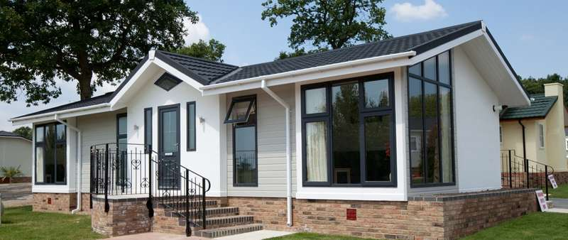 2 Bedrooms Mobile Home for sale in Residential Park Home For Sale In Essex