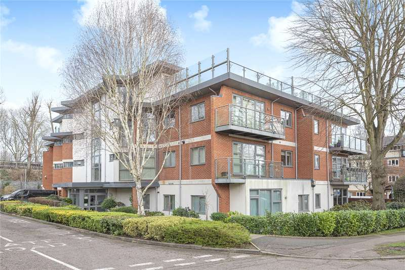 1 Bedroom Apartment Flat for sale in Cloisters Court, The Cloisters, Rickmansworth, Hertfordshire, WD3