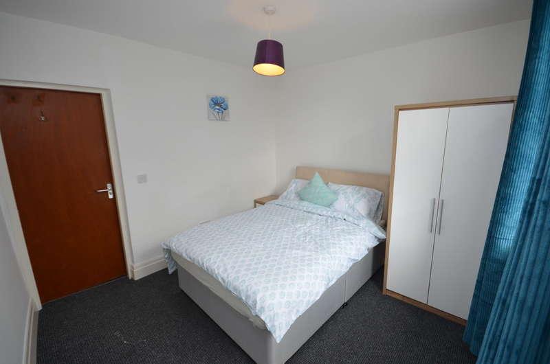 1 Bedroom Flat for rent in Bedsit in Shared House,Kay Street, Darwen