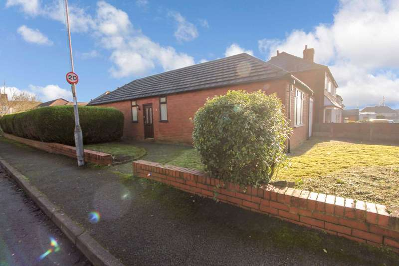 2 Bedrooms Detached Bungalow for sale in Kingsbury Avenue, Bolton