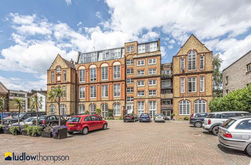 2 Bedrooms Flat for sale in Albany Road, London SE5
